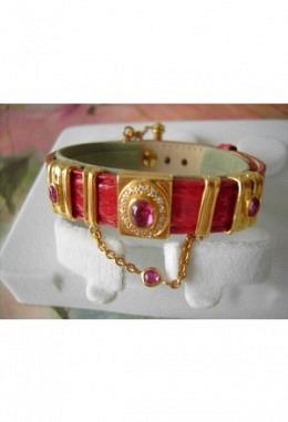 Schmuckarmband mit wunderschönen zauberhaften Aufsteckelementen Motiv roter Steine +2 Elemente  /Band rot